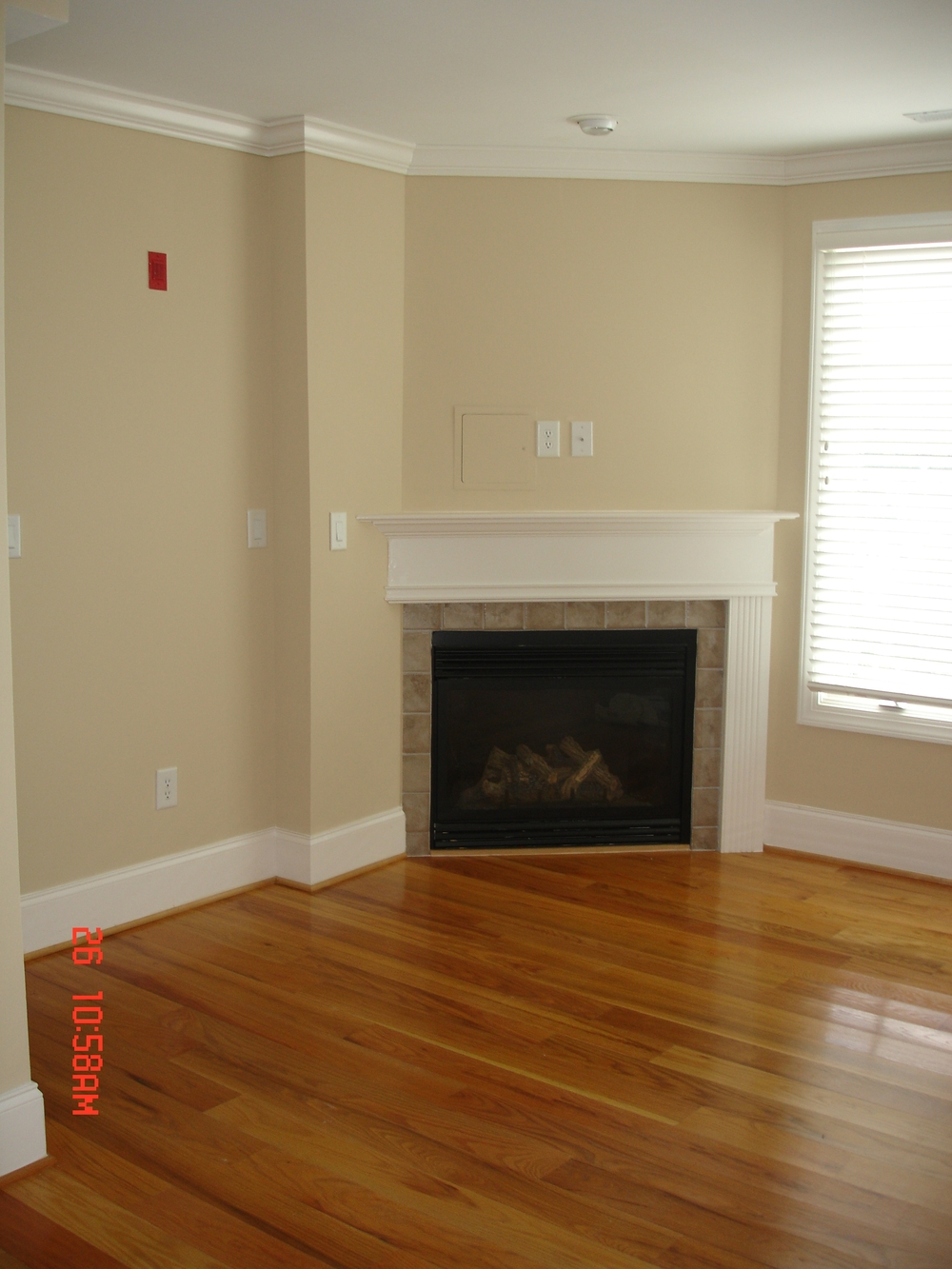 Rosemary Street, 400 W. - #112 - Living Room.JPG