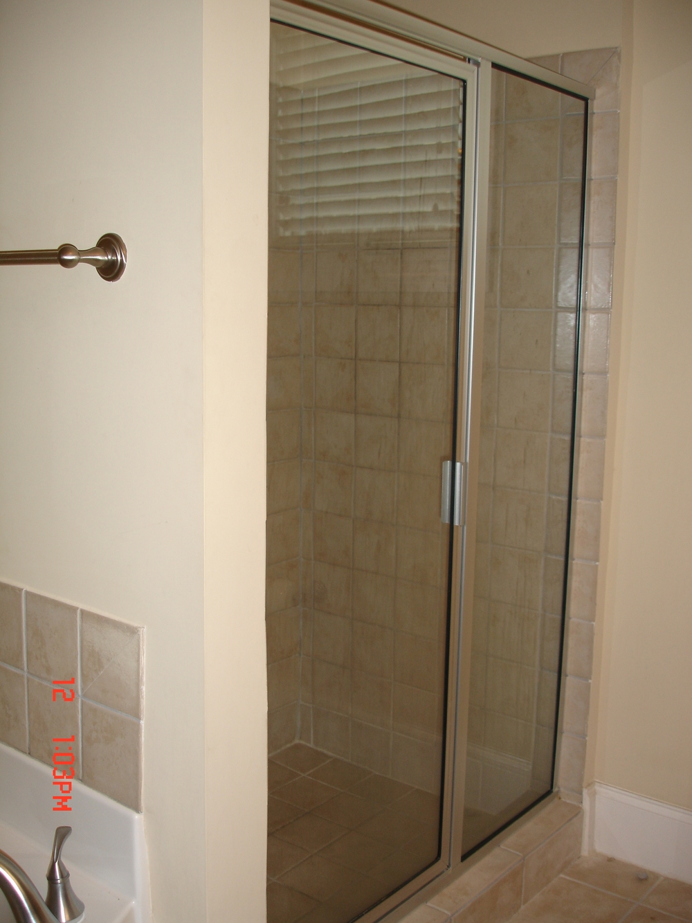 Rosemary Street, 400 W. - #112 - Large shower.JPG