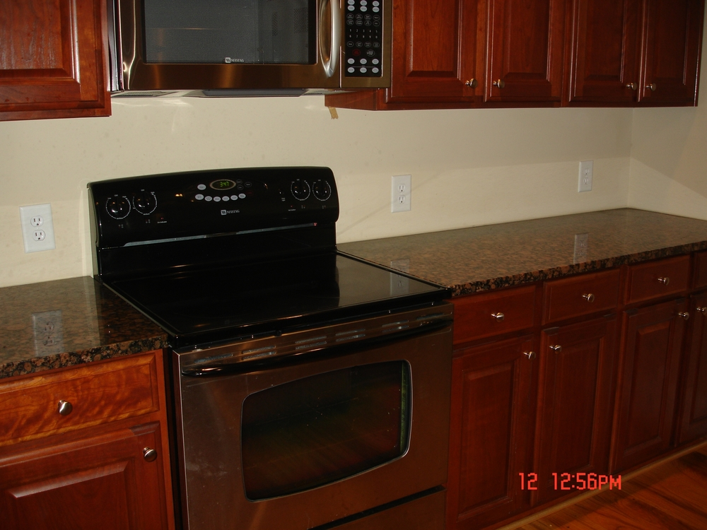 Rosemary Street, 400 W. - #112 - Kitchen.JPG