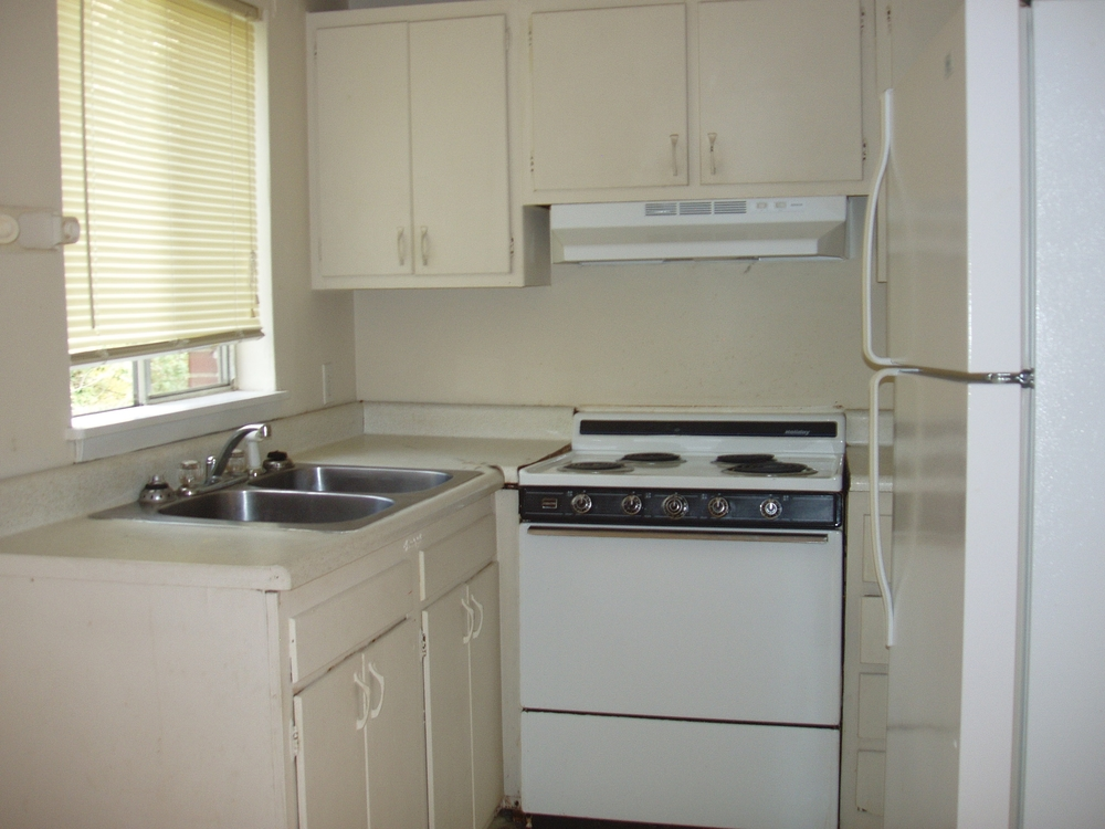 Pritchard Avenue Ext., 800-A5 - Kitchen.JPG