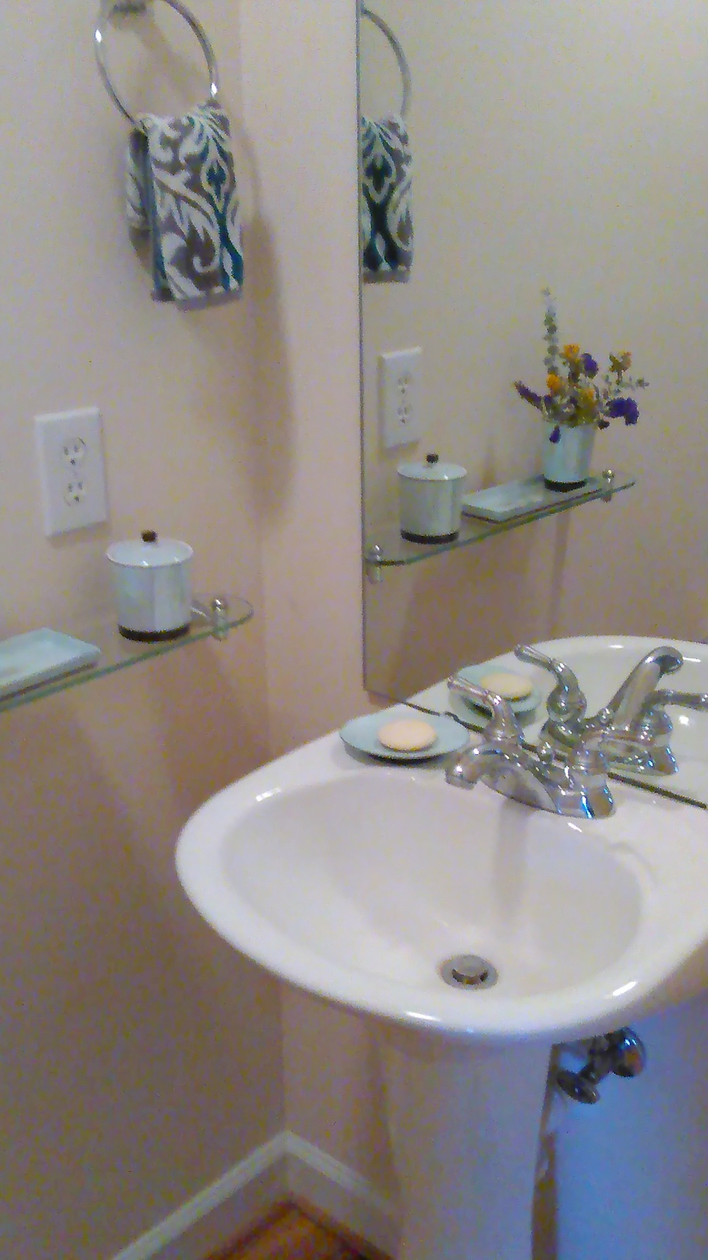 Copperline Drive, 527 - Bathroom II.jpg