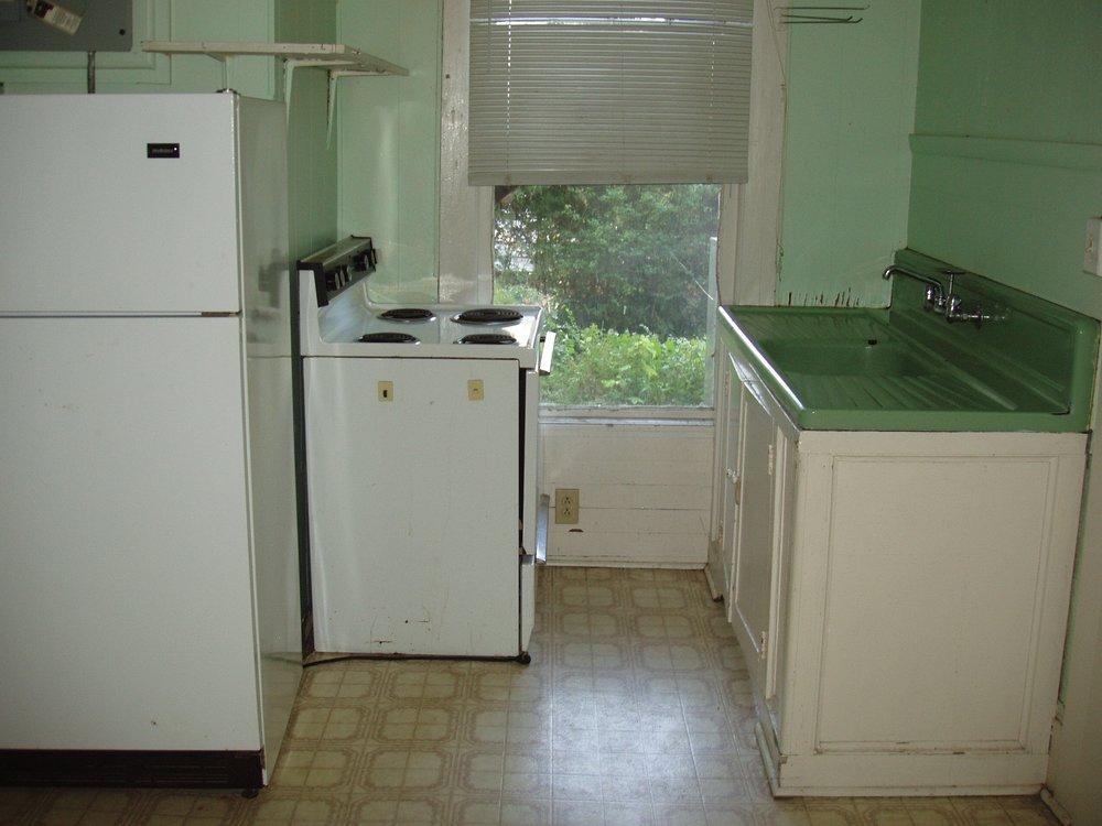 Rosemary Street, 408 E. - #2 - Kitchen.JPG