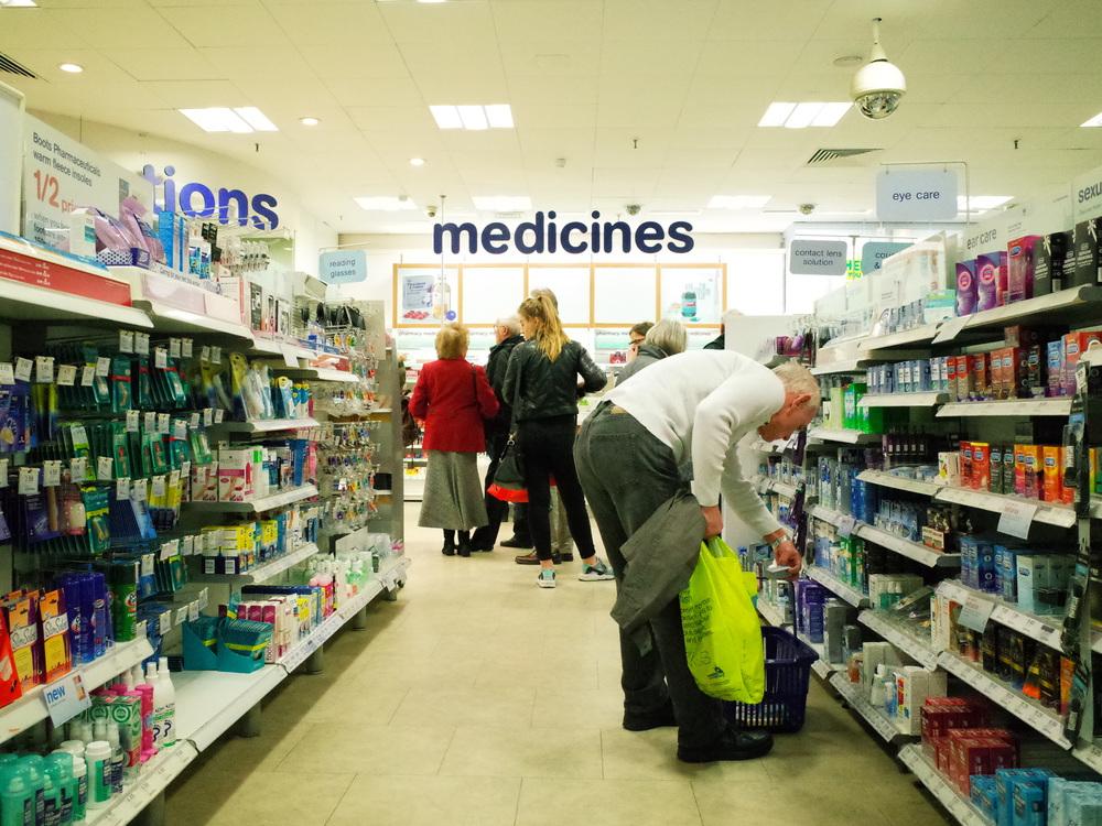 Medicines. ISO 6,400
