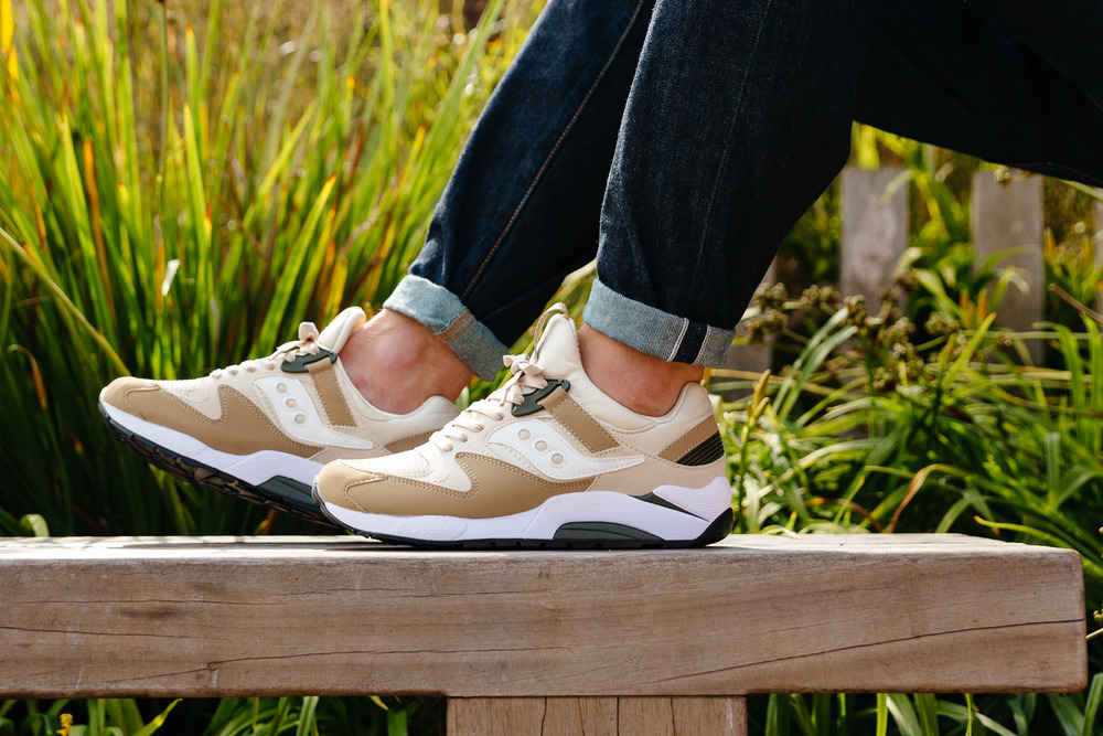 SAUCONY-GRID-9000-SAND-2509-INS-SoleHeaven-ON-FOOT-OTF.jpg