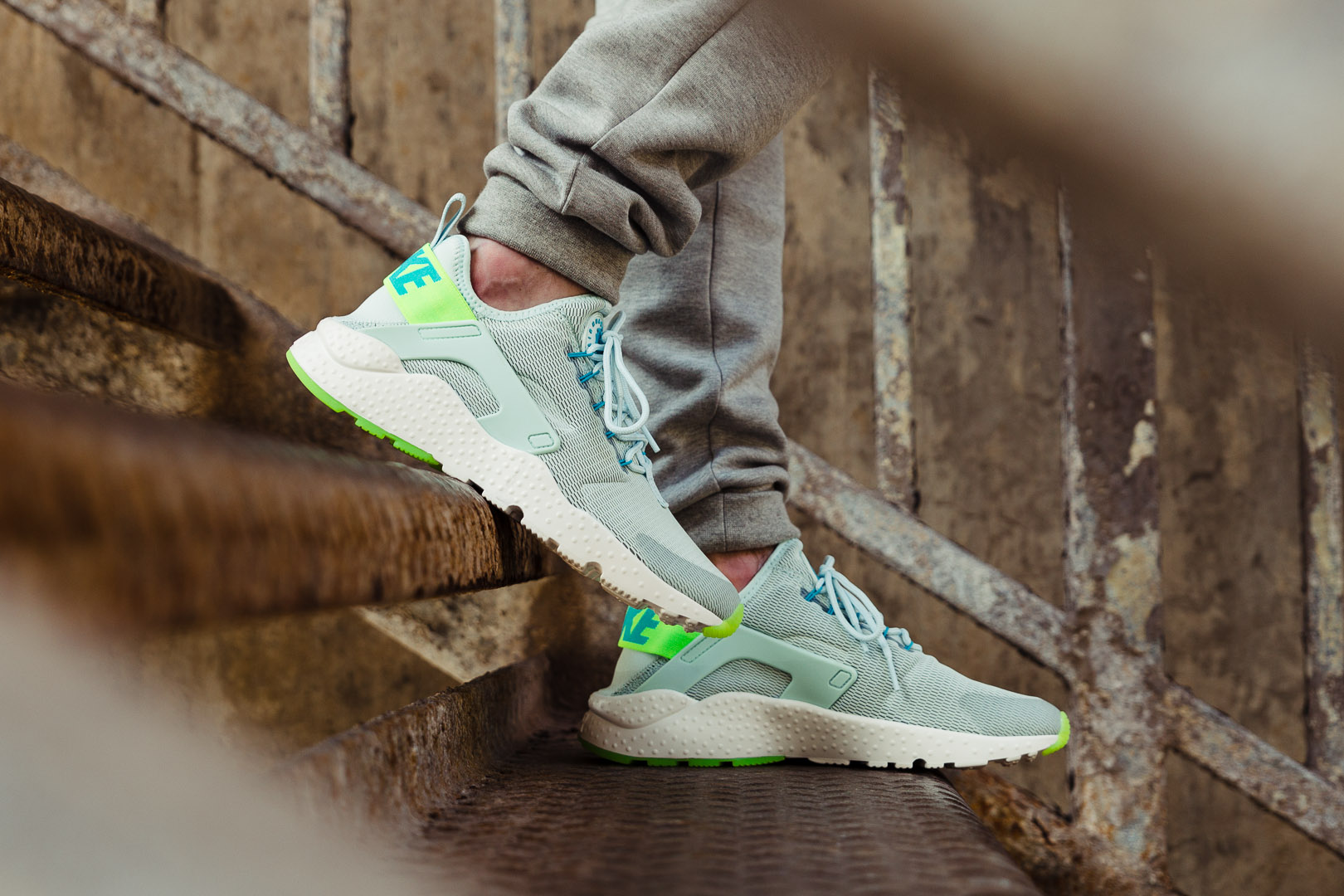 newest collection 006f4 46cf7 NIKE-AIR-HUARACHE-RUN-ULTRA-WMNS-FIBREGLASS-ELECTRIC-