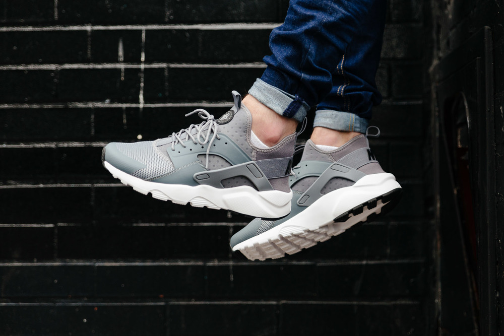 NIKE-AIR-HUARACHE-RUN-ULTRA-COOL-GREY--INS-SoleHeaven--2FOOT-OTF.jpg