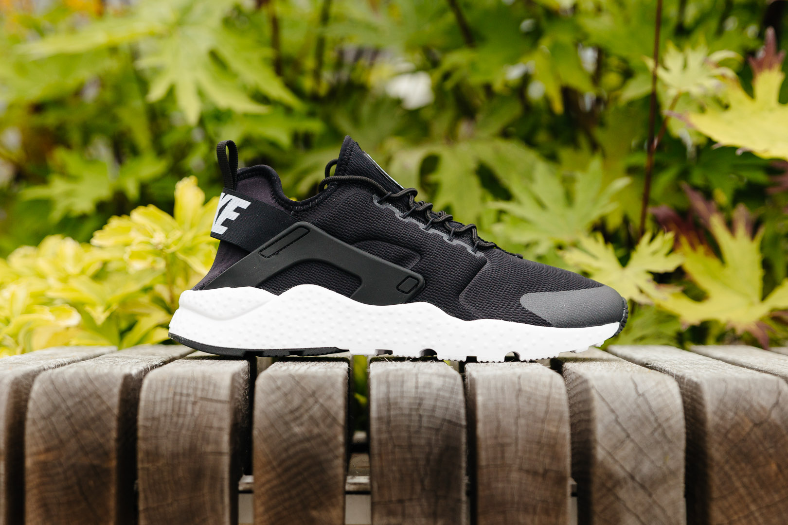official photos 67215 4da16 NIKE-AIR-HUARACHE-RUN-ULTRA-FEATURE-1965-INS-
