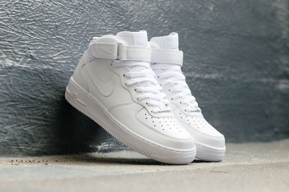 NIKE-AIR-FORCE-ONE-AF1-MID-07-WHITE-1128-INS-SoleHeaven-TILT.jpg