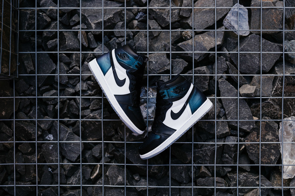 NIKE-AIR-JORDAN-1-RETRO-HIGH-OG-ALL-STAR-BLACK-BLACK-METALLIC-SILVER-WHITE-907958-015-5601-INS-SoleHeaven-.jpg