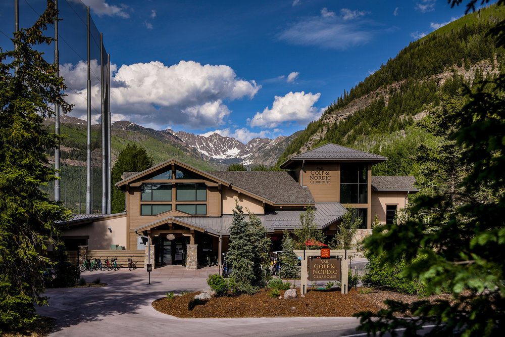 In the winter, Vail's clubhouse doubles as a Nordic Ski Centre