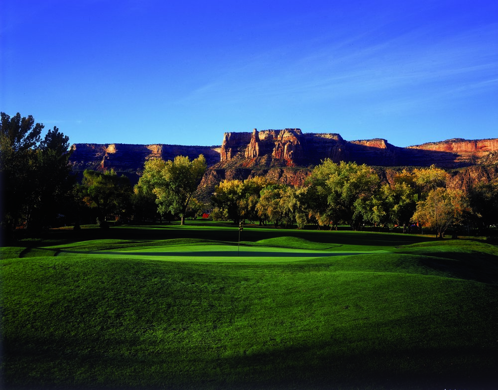 Golf_at_Tiara_Rado_Golf_Course_S-zo_RJig-trv60851tEdjq_cmyk_l.jpg