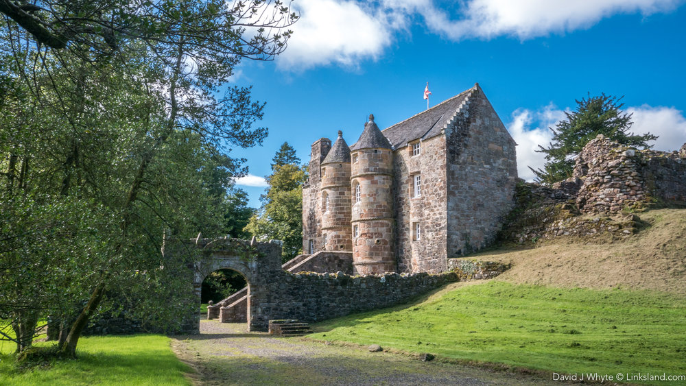 Sumptuous 13th century Rowallan Castle is one of our most comfortable accommodation options alongside the 16th century 'New' Castle surrounded by its own 18-hole golf course.