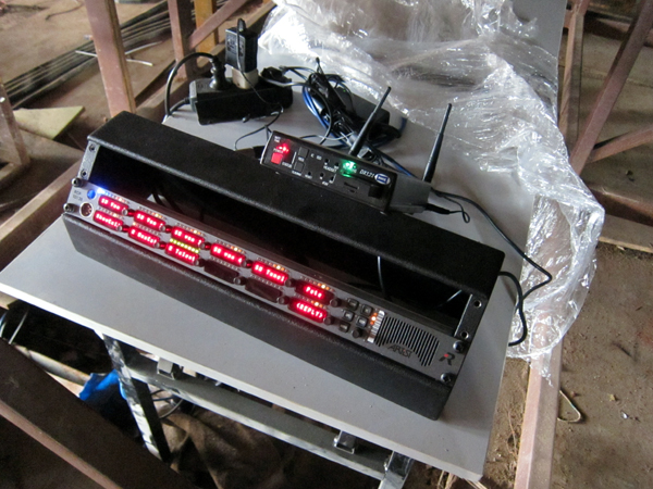 HME DX121 used on field Riedel panel to make the Stage manager totally mobile. Whip antennas covered the entire field from under the stage in the center.