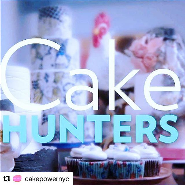 GUYS I'M GONNA BE ON TV TONIGHT! At 10 pm, on the cooking channel. I had the pleasure of working with the amazing @cakepowernyc this year, and one of the projects was this episode. Sadly, I don't have cable, so I won't be watching, but I believe it will be available on their website tomorrow. So honored to work with Kate Sullivan on this, she is one inspiring, talented, and hilarious woman. #cakehunters @cookingchannel