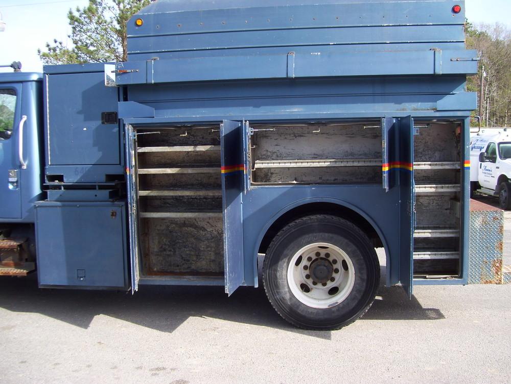 1999 International Service Truck