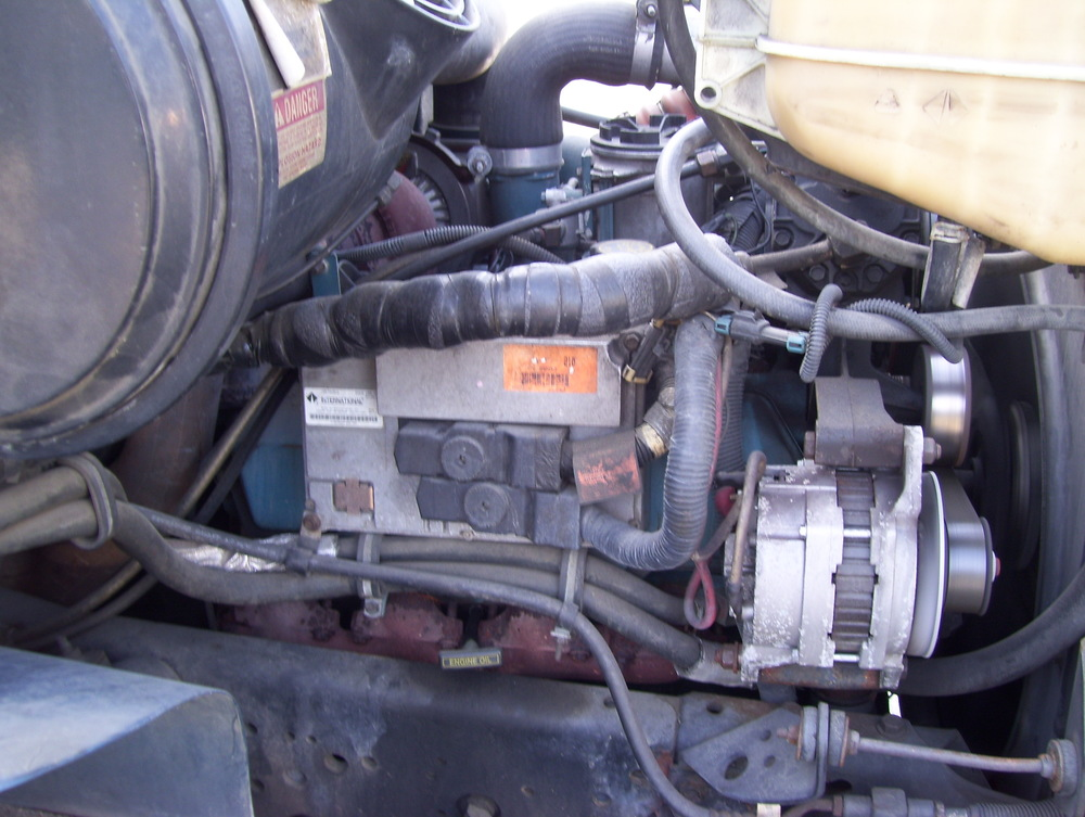 99 International Service Truck 008.jpg