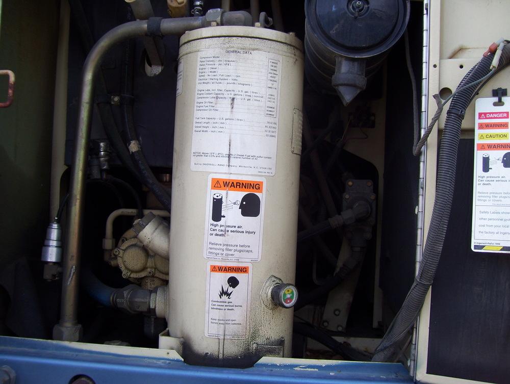 99 International Service Truck 010.jpg
