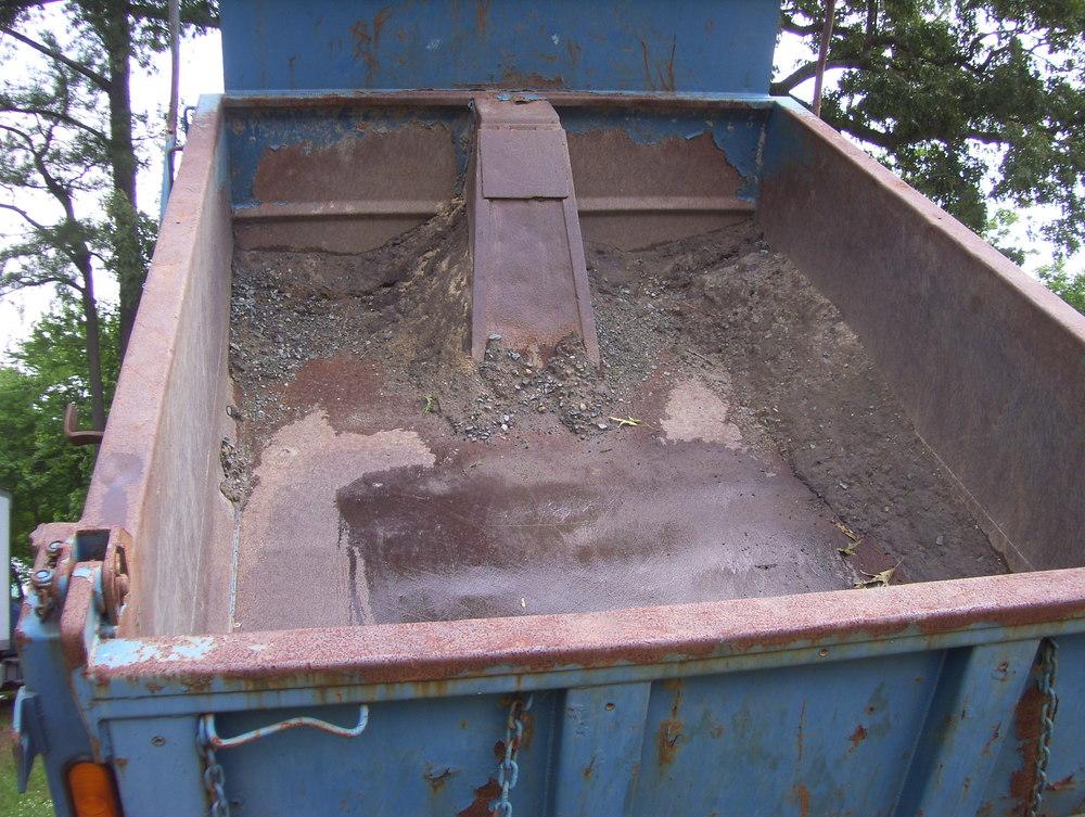 2002 International Dump Truck 006.jpg