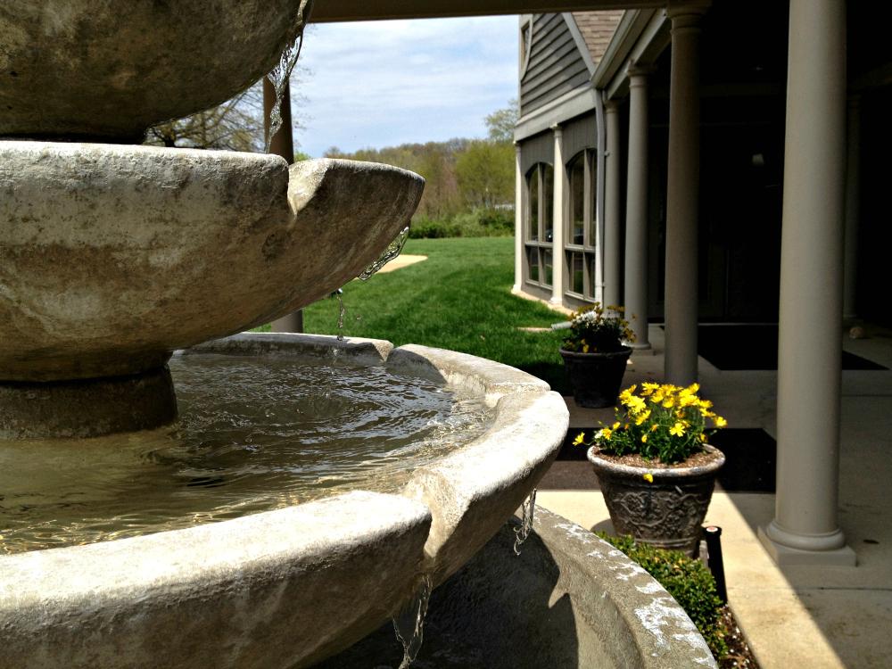 Memorial Fountain Woodlawn.jpg