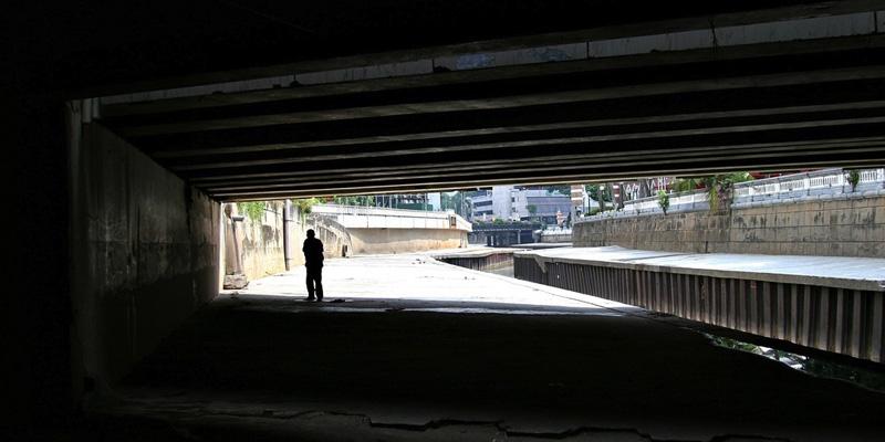 Life under a bridge // Source: dovesandserpents.com