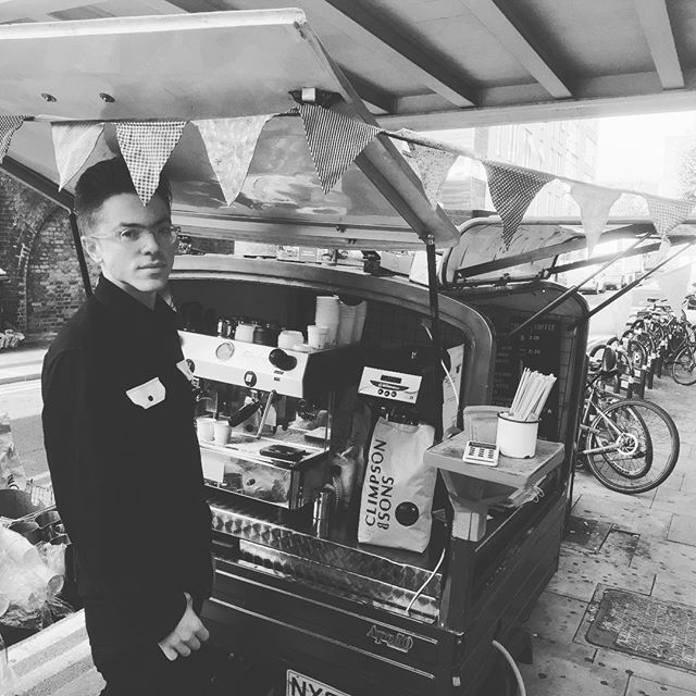 Happy to be here on this beautiful morning making espresso ... with Jonny looking extremely cool of course. Have a great day! Olivia #makemakecoffee #haggerston #haggerstonstation #coffeelondon