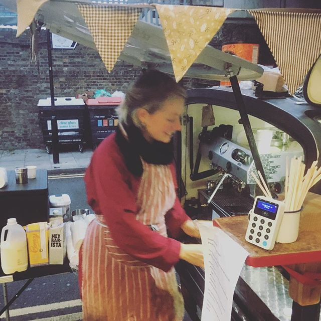 The silent barista strikes again! I'm back today and serving ... i'd like to say 'lovely' espresso 🤣 outside Haggerston station as usual ... (usual except for the silent part!) see you soon! Olivia #haggerston #makemakecoffee #haggerstonstation
