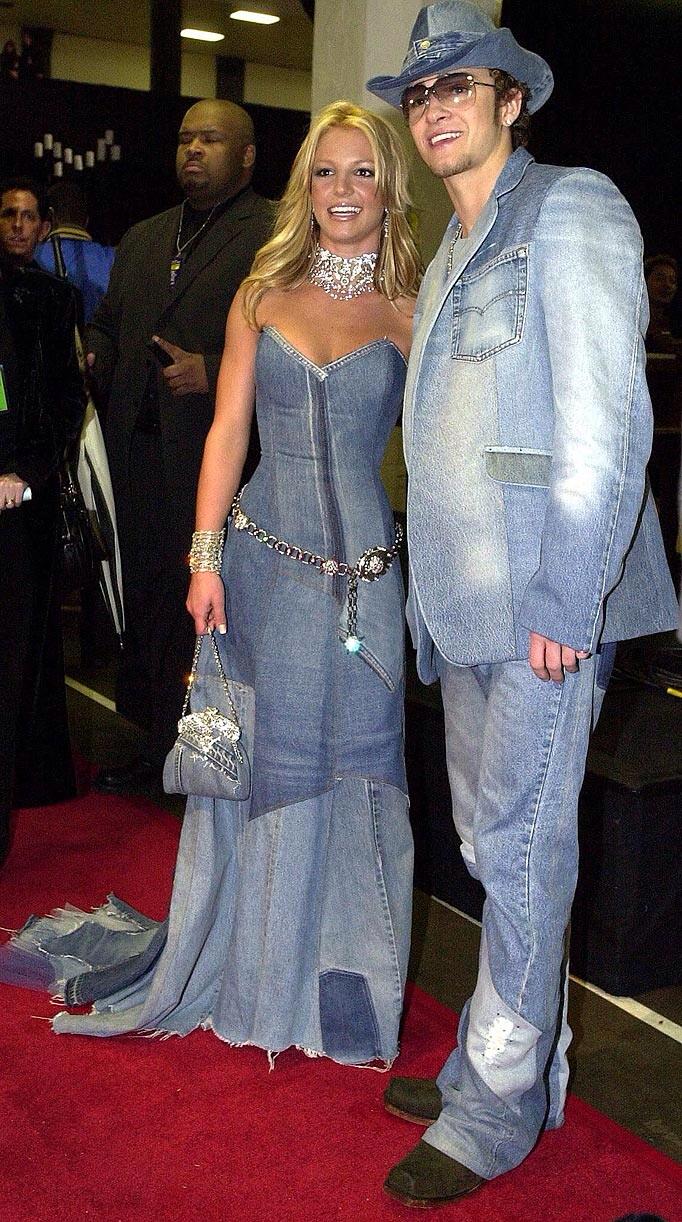 Britney Spears y su vestido de jean en los 2014 AMAs