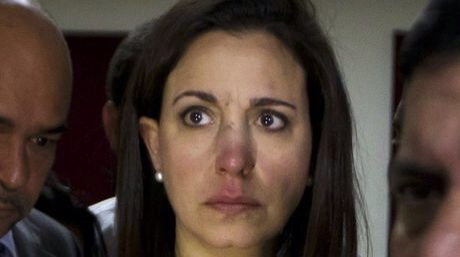 María Corina after the violence she suffered in the National Assembly.