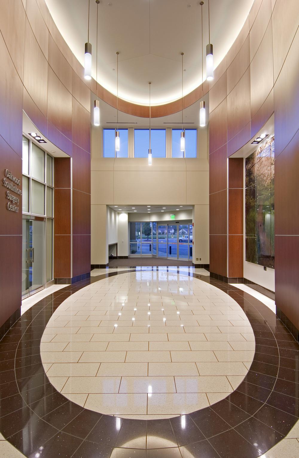 oakwood-southshore-hospital-entrance