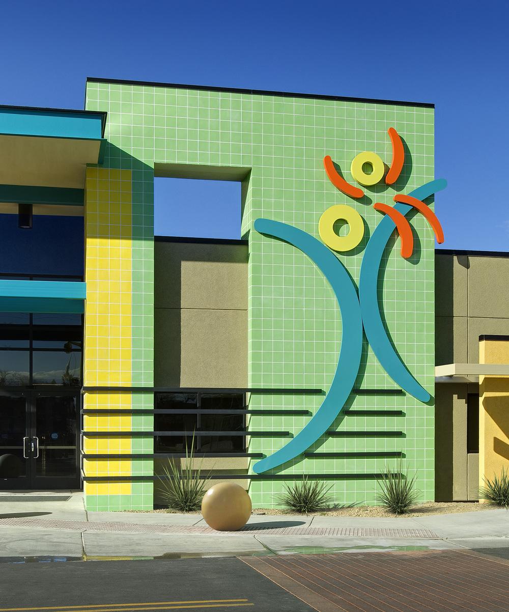 tmc-pediatric-hospital-exterior-detail