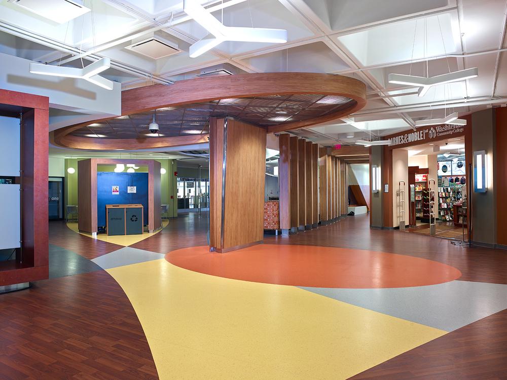 washtenaw-community-college-student-center-lobby