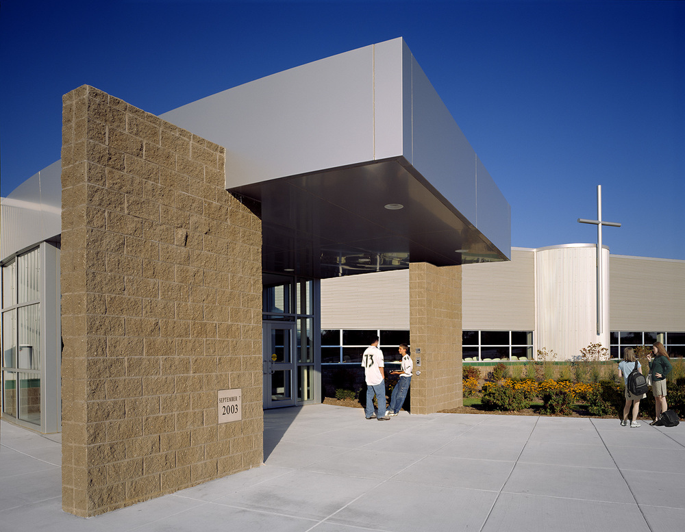 fr-gabriel-richard-high-school-exterior