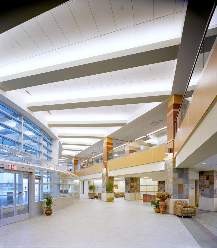 hfhs-wyandotte-hospital-lobby