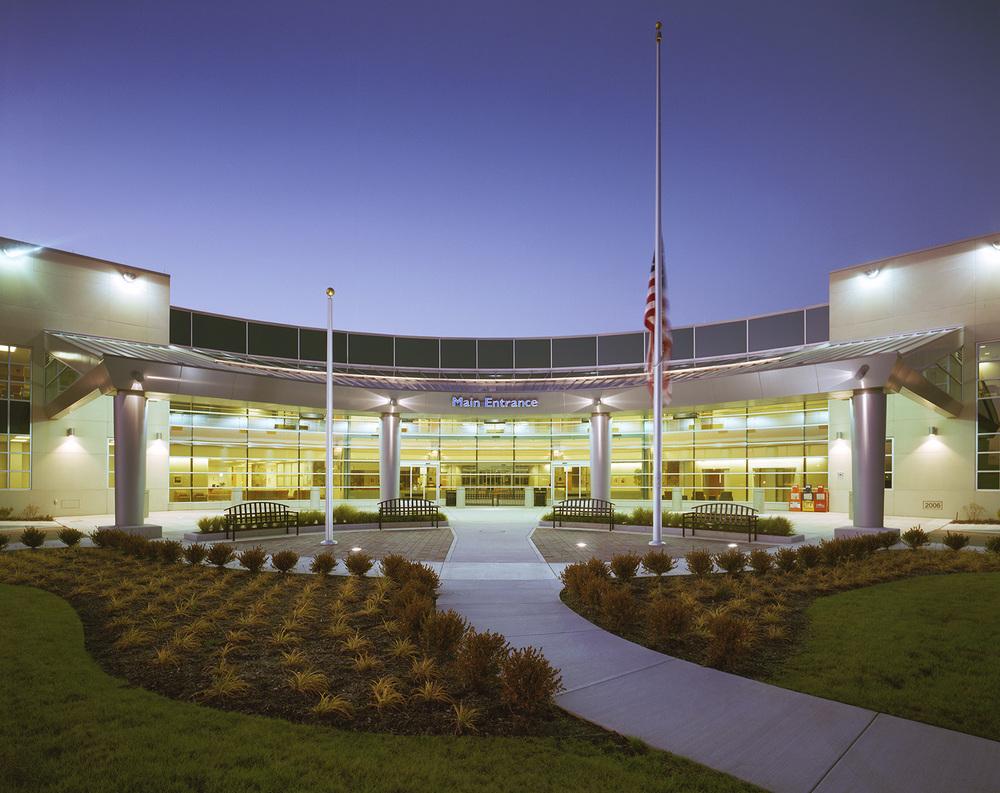 hfhs-wyandotte-hospital-entrance