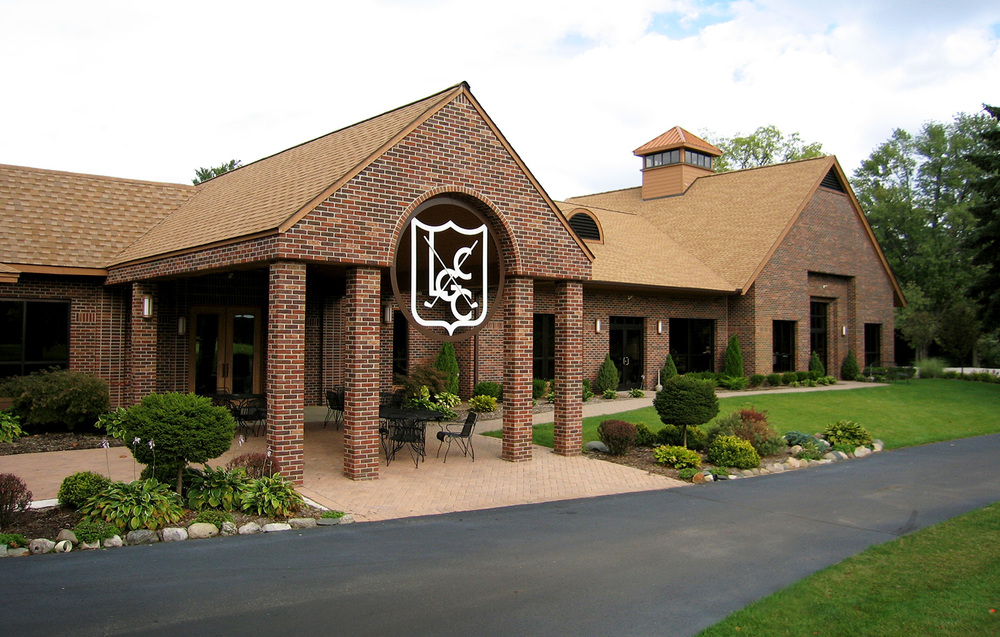 lakelands-golf-course-exterior2