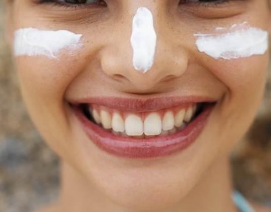 FDA-pushes-new-sunscreen-regulations-back.jpg
