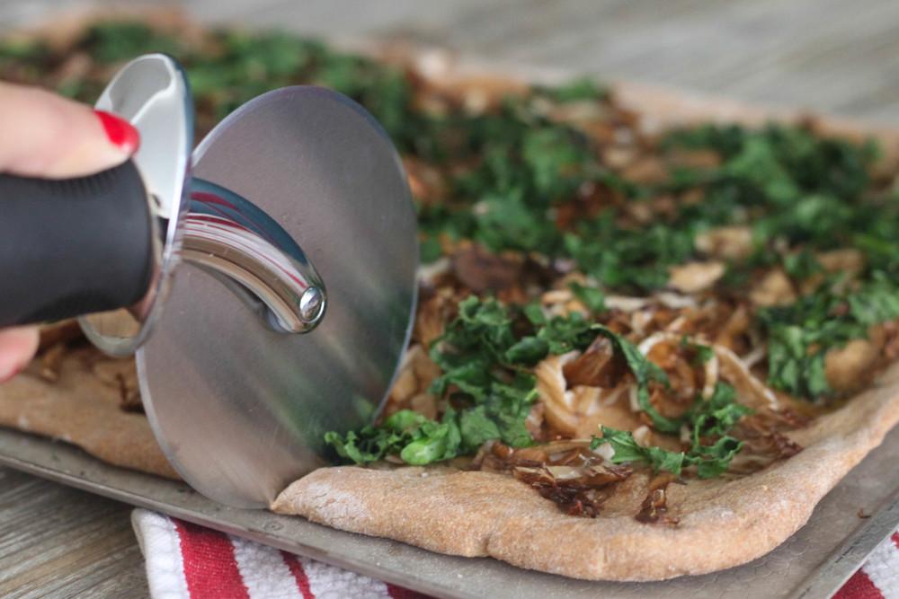 Kale, Mixed Mushroom, Radicchio Flat Bread_3