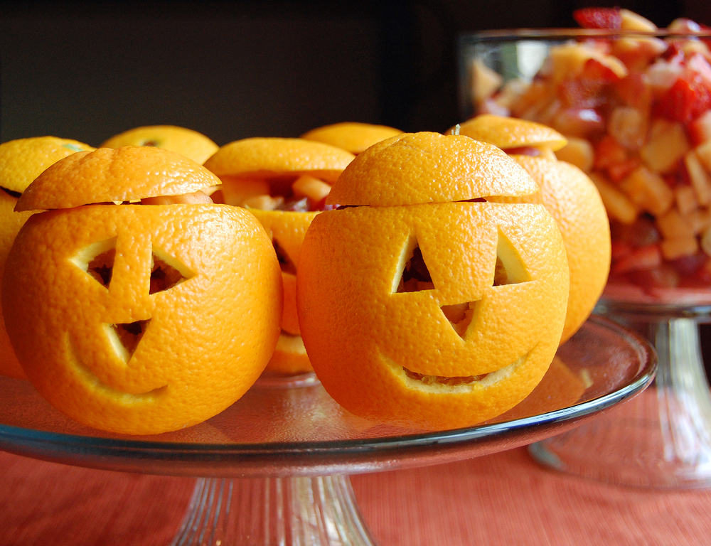 Love these snack o'lantern fruit cups!
