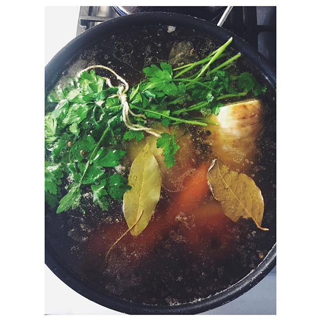 { Slowly cooking my healing bone broth for tomorrow's functional forum meetup @kimawellness ! This stuff is legit liquid gold.} #liquidgold #bonebroth #grassfed #healingfoods #functionalforum