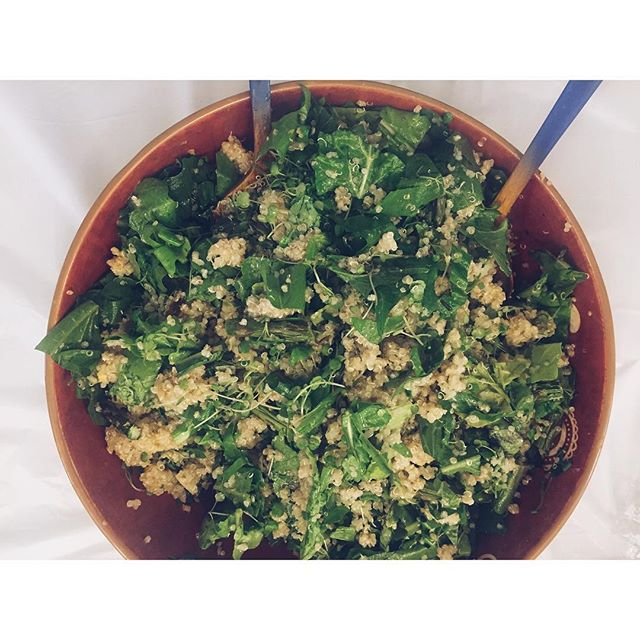 { detox quinoa spring salad: arugula, dandelion greens, watercress, fiddle head ferns, asparagus, basil } #functionalforummeetup #springsalad