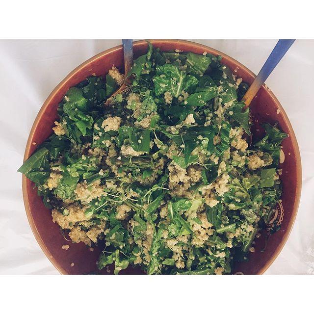 { detox quinoa spring salad: arugula, dandelion greens, watercress, fiddle head ferns, asparagus, basil } #functionalforummeetup #springsalad
