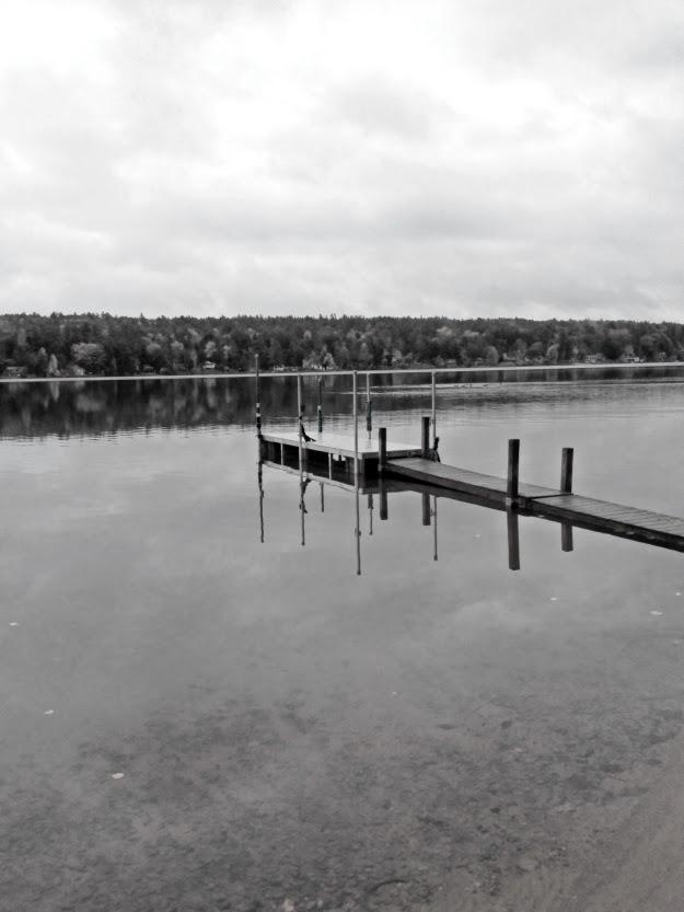 b%26w+dock.jpg