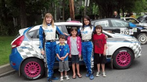 Verena & Leanne pose w/ little fans at STPR 2012