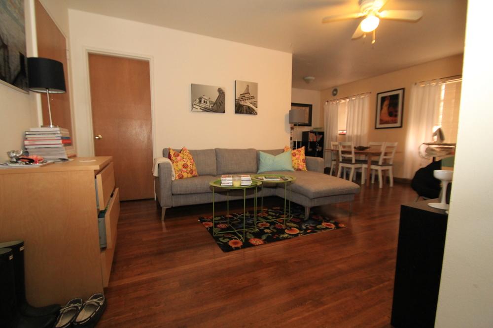 sj one bedroom living area.JPG