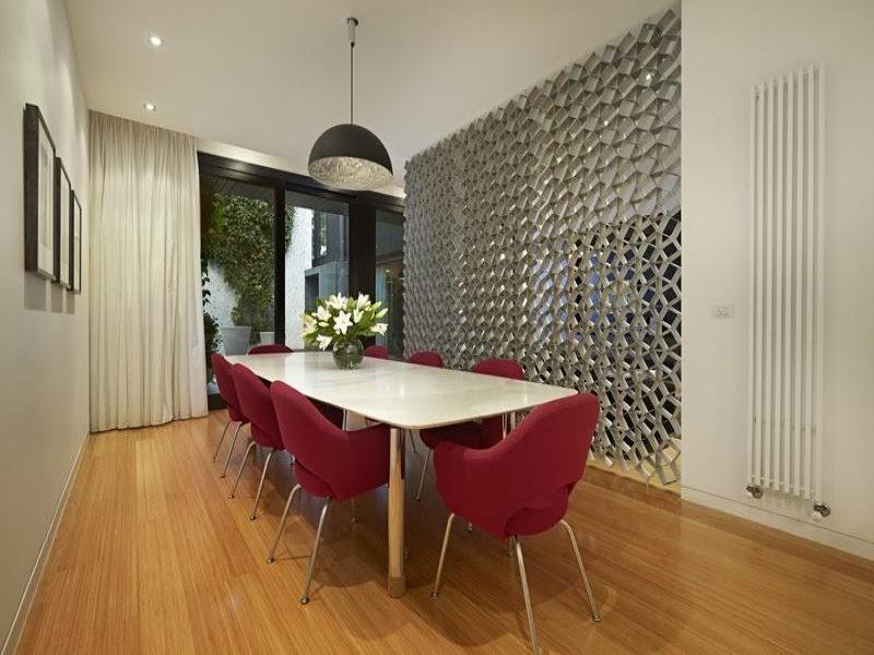 screen+divider+dining+room.jpg
