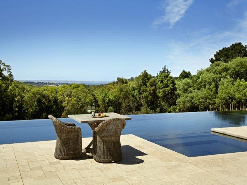 pool in vineyard infinity edge
