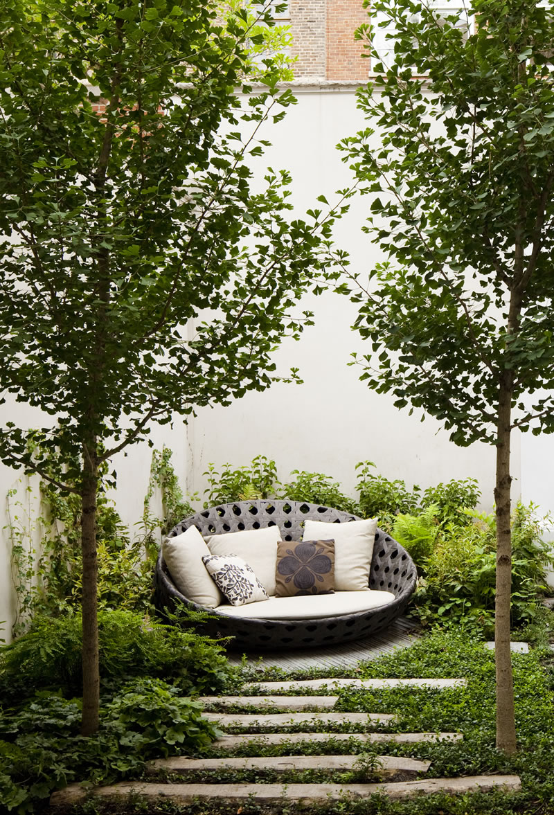 A Secret Garden Hidden In The Rooftops Of Nyc Glamour