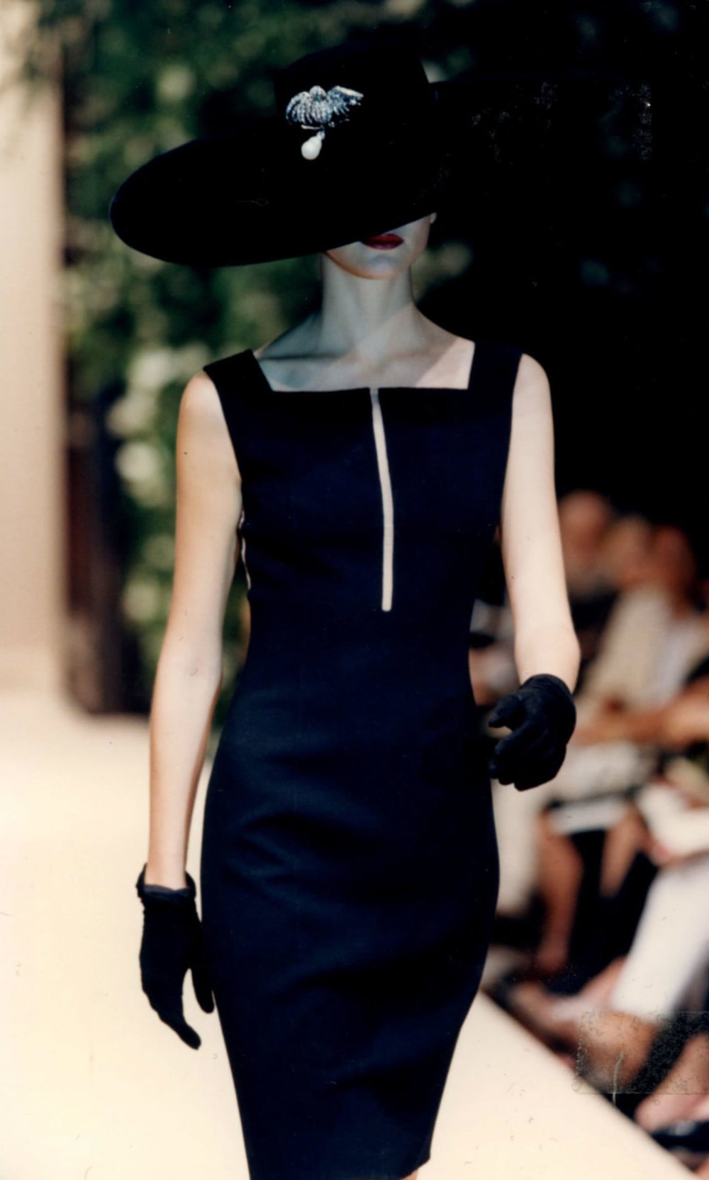 lbd oscar de la renta for balmain 1997 via oscar pr girl