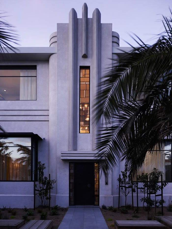 Fabulous front entrance why black works glamour drops for Modern art deco homes