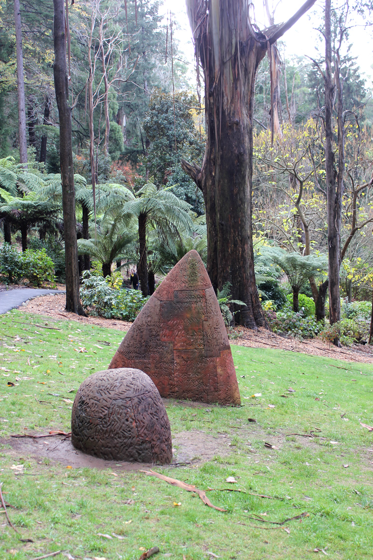 sculpture in the garden at alfred Nicholas memorial gardens